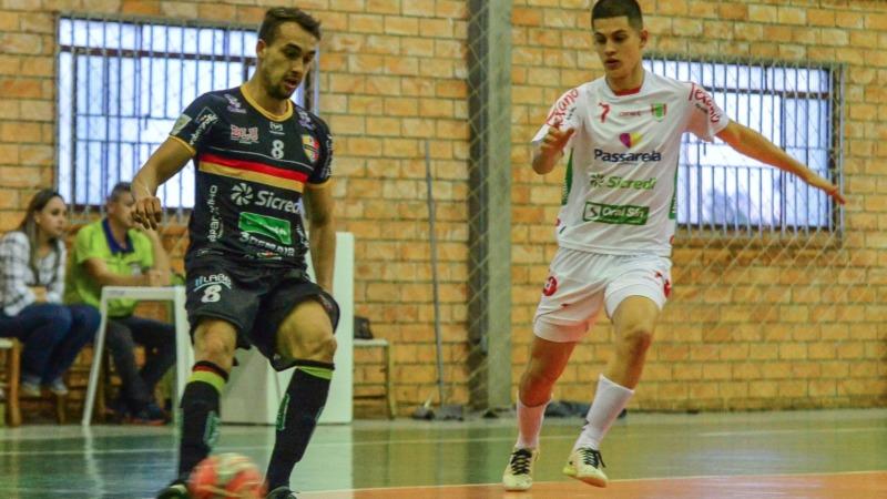 Blumenau Futsal mostra boa atuação e vence Concórdia fora de casa - Radio  Web Esportiva 2327831810f14