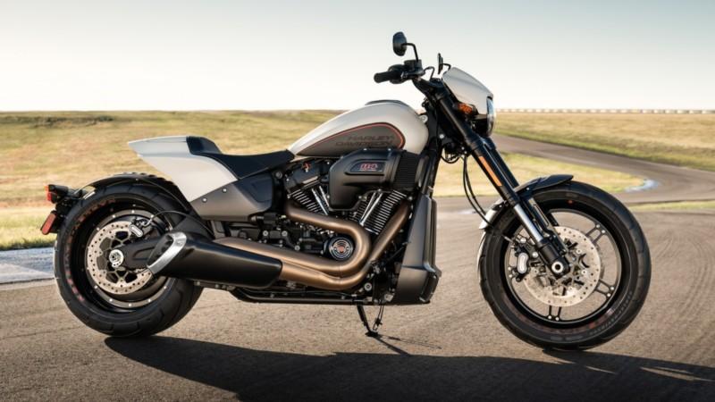 Harley-Davidson lança inédita FXDR, primeira moto de sua